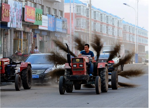 China Inventions - Street Sweeper Tractor
