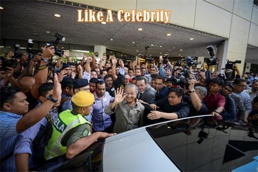 1MDB RM42 Billion Scandal - Dialogue PM Najib Razak with NGO - Mahathir Like A Celebrity