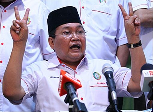Ibrahim Ali - Flashing Victory Sign