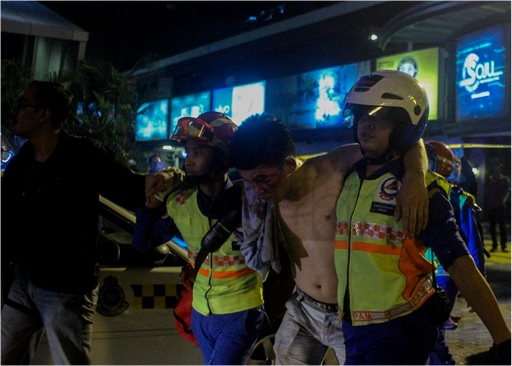 Low Yat Riot - Man Injured