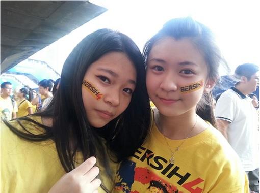 Bersih 4.0 - Charming and Creative Photo - Cute Girls With Bersih on Face