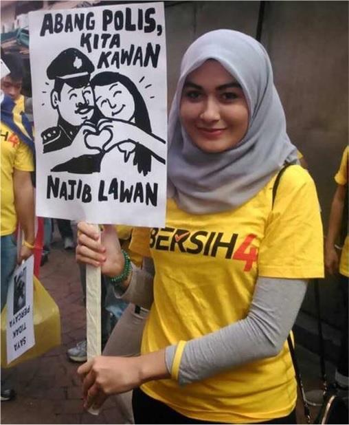 Bersih 4.0 - Charming and Creative Photo - Police Are Friend - Fight Najib