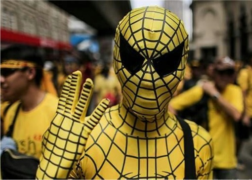 Bersih 4.0 - Photo - Spiderman Shows 4 Fingers