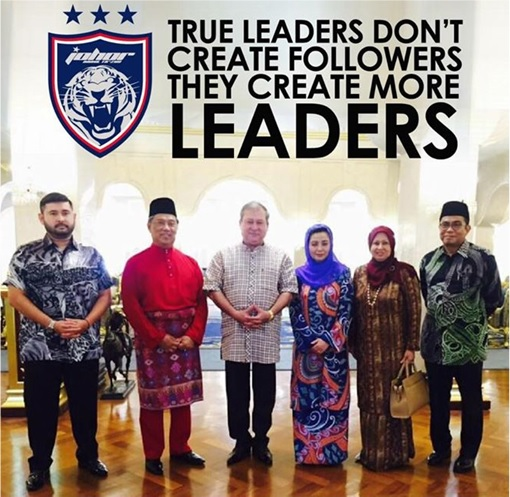 Sultanate of Johor Photo Session with Muhyiddin
