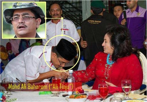 Mohd Ali Baharom - Ali Tinju - Kissing Rosmah Mansor