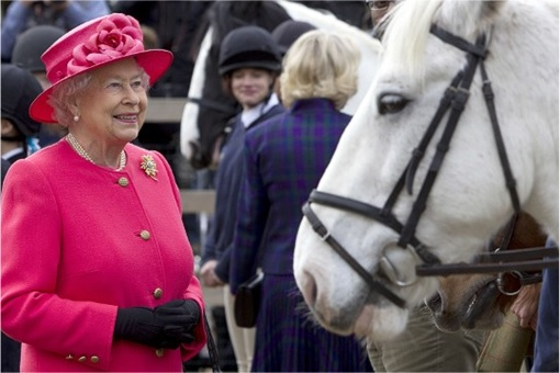 Queen Elizabeth II Loves Horce Racing