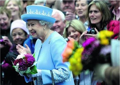 Queen Elizabeth II Meeting People