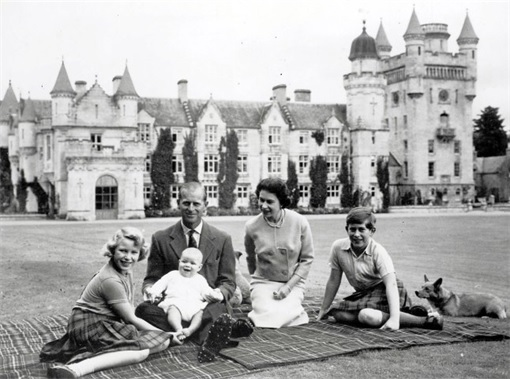 Queen Elizabeth II and Family Picnic