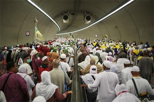 Saudi Stampede - Pilgrimage in Tunnel