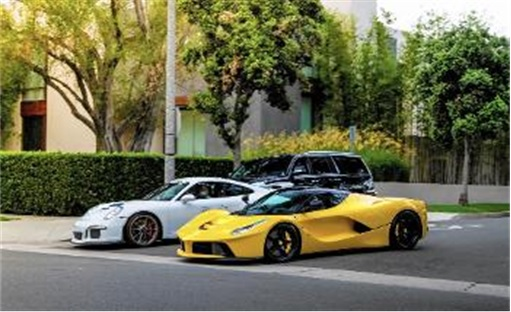 Sheikh-Khalid-Hamad-Al-Thani Racing in Beverly Hills - Yellow LaFerrari and White Porsche 911 GT3