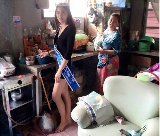 Miss Uncensored News Thailand 2015 - Khanittha Mint Phasaeng - At Shack Home Kitchen with Mom Wearing Tiara and Sash