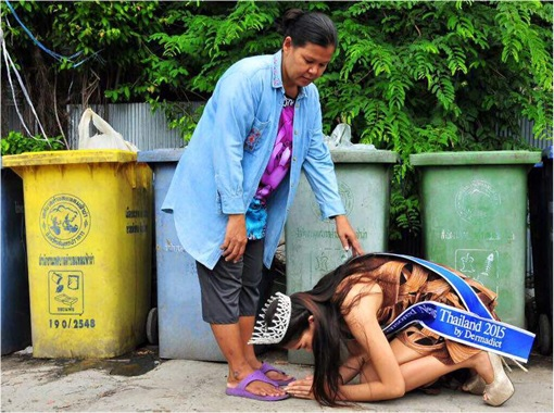 Miss Uncensored News Thailand 2015 - Khanittha Mint Phasaeng - Kneels To Thank Mom