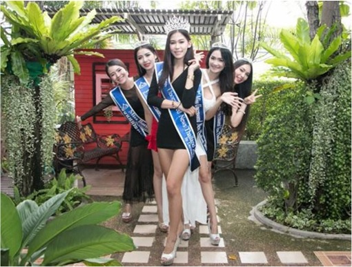 Miss Uncensored News Thailand 2015 - Khanittha Mint Phasaeng - With Other Winners