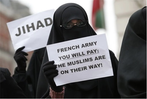 Muslim Women in Hijab - Calling for Jihad at French Army