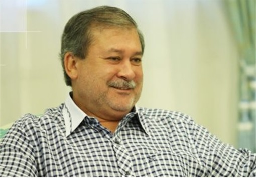 Johor Sultan Ibrahim - Wearing Strip Shirt