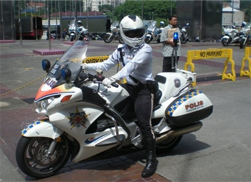 Malaysian Police Outrider - Super Power Bike