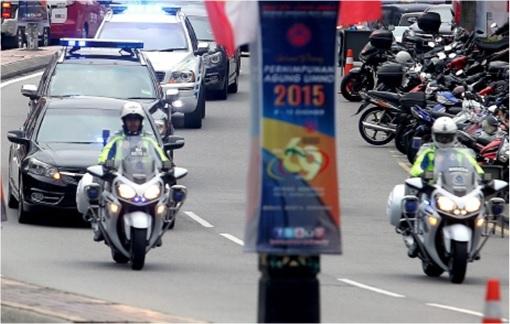 Prime Minister Najib Razak - Police Outriders