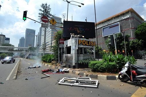 Jakarta Terrorist Attack - Police Beat Attacked and Destroyed