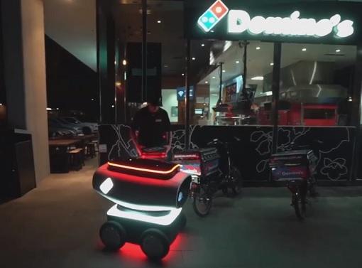 Domino Pizza Delivery Robot - Domino's Robotic Unit DRU - Go Back to Store