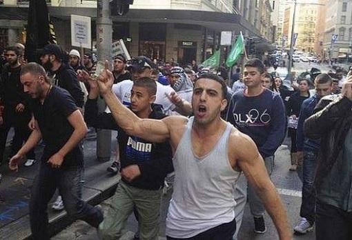 Arab Gangsters in German