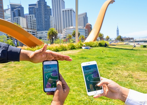 Pokémon GO - Pokemon Mobile Game at Park
