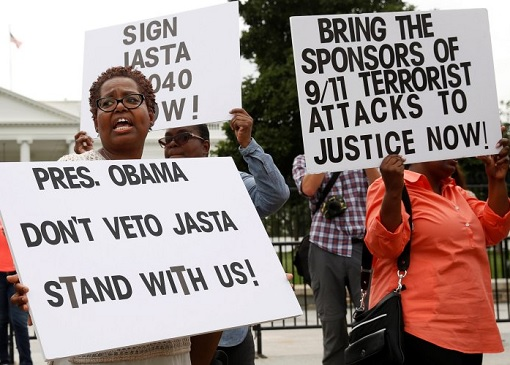 american-protesters-urging-obama-for-911-september-11-terrorist-attack-justice
