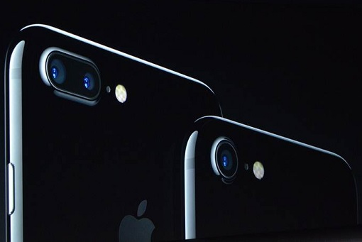 iphone-7-launched-jet-black-colour
