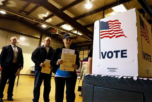 american-voters-at-voting-booth