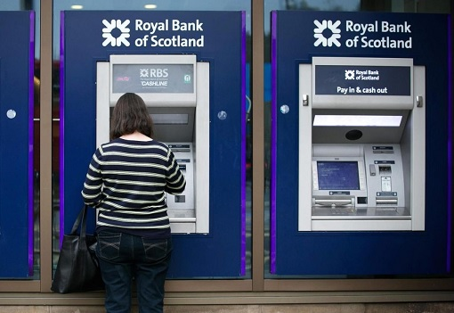 royal-bank-of-scotland-customer-at-atm-machines