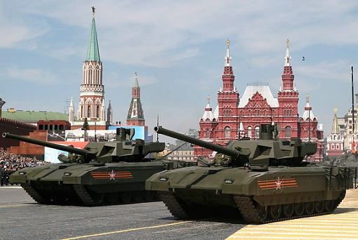 russian-tanks-in-moscow