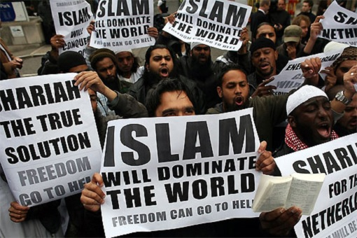 radical-muslims-protest-islam-will-dominate-the-world