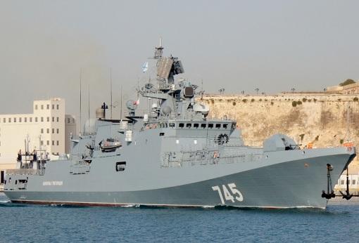 russian-frigate-admiral-grigorovich-anchor