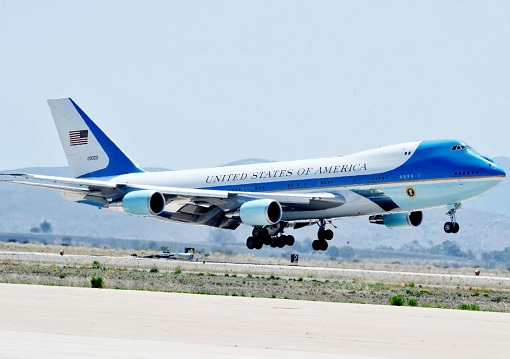 air-force-one-landing