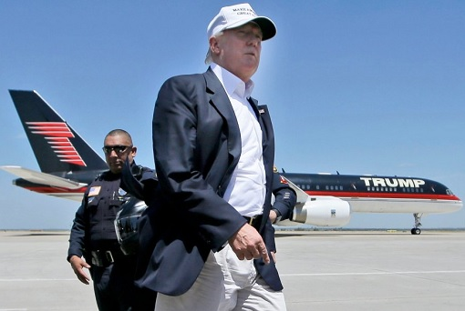donald-trump-and-his-boeing-757-trump-force-one