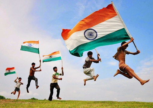 waving-flags-of-india-economy-overtakes-united-kingdom