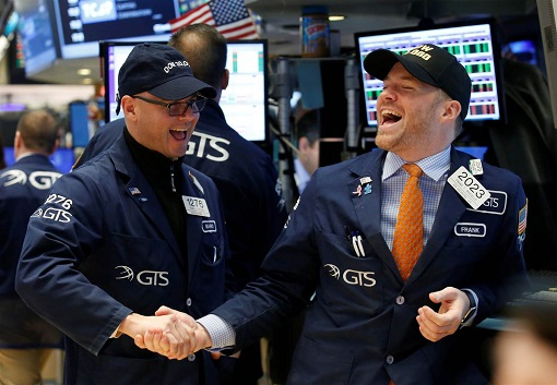Dow Hits 20,000 - Traders Laughing and Congrats Each Other