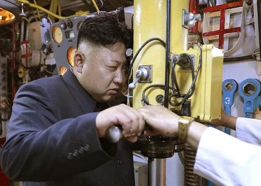 North Korea Kim Jong-un - Inside Submarine
