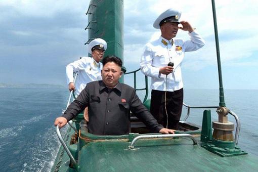 Kim Jong-un Testing Submarine
