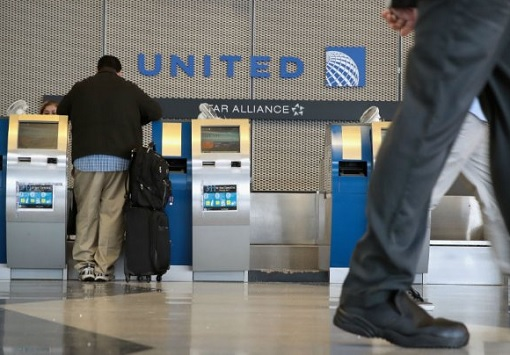 United Airlines - Counter Kiosk