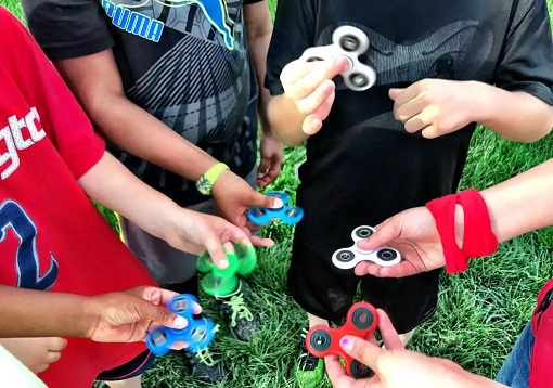 Fid Spinner – The Latest Toy Taking Playgrounds Schools