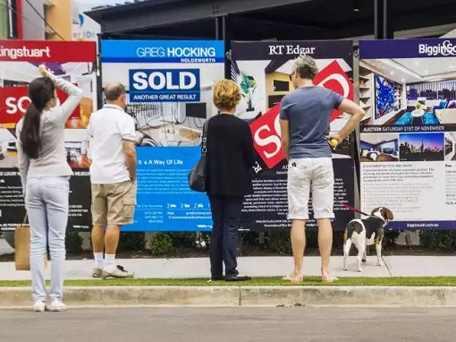 Australians Looking at SOLD Ads for Housing