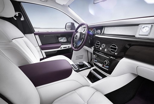 Rolls-Royce Phantom VIII - Interior Front Seat and Dashboard