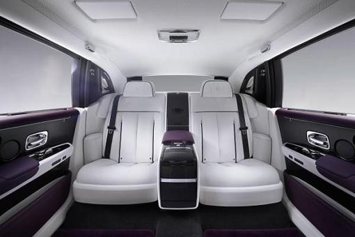 Rolls-Royce Phantom VIII - Interior Rear Seat