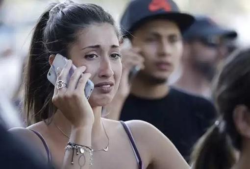 Spain Barcelona Las Ramblas Under Terror Attack - Woman On The Phone Crying