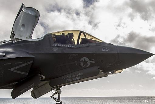 F-35 Stealth Fighter Jet - Parking