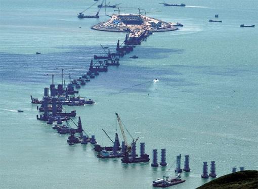 China and World Longest Sea Bridge - Construction of Pillars