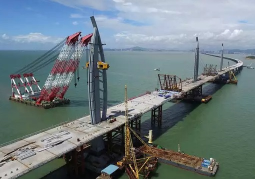 China and World Longest Sea Bridge - Construction of Towers