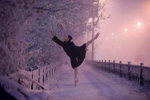 Russia Extreme Temperature - Ballerina Photo Shot