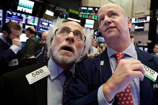 US Stock Market Crash 2018 - Trader Reaction on Trading Floor