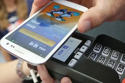 Cashless Society - Pay With Smartphone